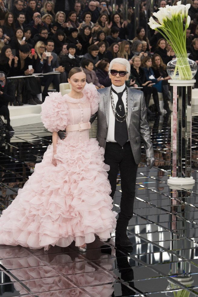 karl-lagerfeld-haute-couture-2017-a